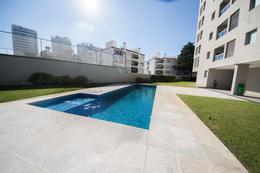 Foto Edificio en Playa Brava Biarritz y leyenda Patria, parada 6 Brava número 7