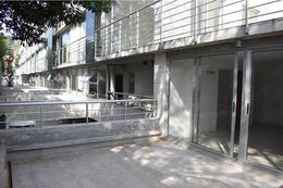 Foto Edificio en Parque Batlle             Feliciano Rodríguez y Gral Espartero número 5