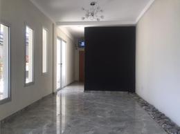 Foto Edificio en Moron Sur Mariano Moreno 900 número 8