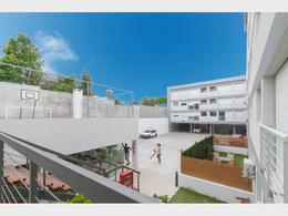 Foto Edificio en Unión 20 de Febrero 2528 entre Sena y Castriz número 3