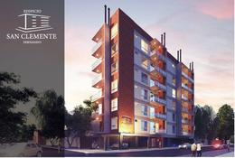 Foto Edificio en Bernardino Caballero Fernando de la Mora número 1