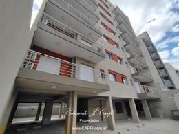 Foto Edificio en Moron Sur 25 de Mayo 755, entre Santa Fe y Entre Ríos. número 4