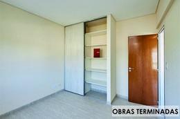 Foto Edificio en Moron Sur Pellegrini 1000 número 8