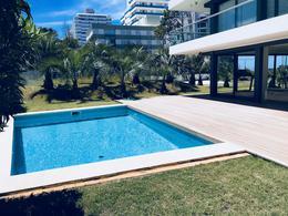 Foto Edificio en Playa Brava BRAVA número 20