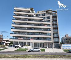 Foto Edificio en Constitucion Acevedo y Felix U Camet número 1