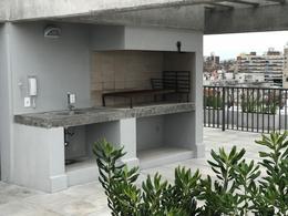 Foto Edificio en Parque Batlle             Ramón Ortíz  y Brito Foresti           número 7
