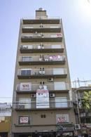 Foto Edificio en Flores Av. Directorio entre Portela y José Martí numero 2