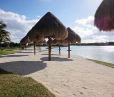 Foto Terreno en Venta en  Lagos del Sol,  Cancún  EN VENTA LOTES RESIDENCIALES EN CANCÚN LAGOS DEL SOL C2684