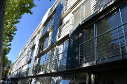 Foto Edificio en Parque Batlle Sobre calle tranquila , a metros del  parque  número 3