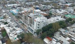 Foto Edificio en Tres Cruces Próximo a Terminal Tres Cruces número 9