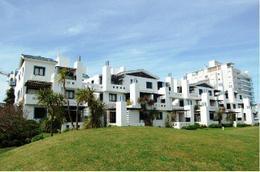 Foto Edificio en Playa Brava Dptos. en Playa Brava número 1