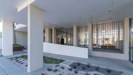 Foto Edificio en La Perla Norte FRENCH 3800 número 12