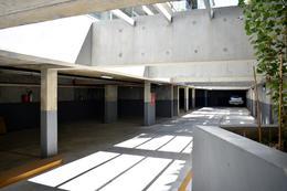 Foto Edificio en Parque Batlle Sobre calle tranquila , a metros del  parque  número 13