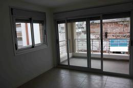 Foto Edificio en Centro (Montevideo) Tacuarembó 1430 entre 18 de Julio y Guayabos número 7