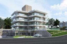 Foto Edificio en Playa Mansa Edificio Sophia Playa Mansa P18 Av Jose Terradel número 1