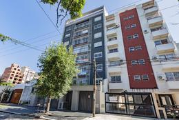 Foto Edificio en Moron Pellegrini 1300 número 32