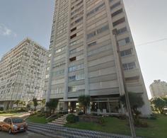 Foto Edificio en Península Calle 19 y 24 número 2