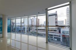Foto Edificio de oficinas en La Perla Sur CLIPER Oficinas número 8