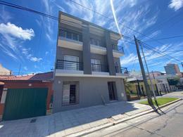 Foto Edificio en Wilde Echeverria al 100 número 2