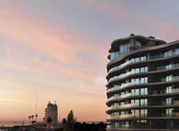 Foto Edificio en Puerto Buceo Rambla y L. A. de Herrera número 1