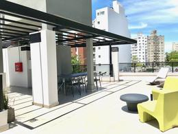 Foto Local en Venta en  Punta Carretas ,  Montevideo  Local 002  comercial con renta $26.000