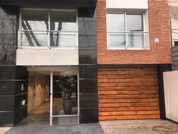 Foto Edificio en Parque Batlle             Avda. Italia y Albo           número 3