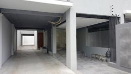 Foto Edificio en Moron Santa Fe 820, Morón número 17