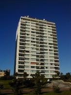 Foto Edificio en Playa Mansa PARADA 6 Y MEDIA ENTRE ISLA GORRITI Y PIRINEOS número 1
