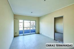 Foto Edificio en Moron Sur Pellegrini 1000 número 6