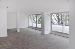 Foto Edificio de oficinas en Parque Batlle Oficinas y locales comerciales número 2