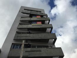 Foto Edificio en Banfield Este Alsina 380 número 1