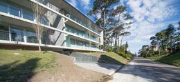 Foto Edificio en Playa Mansa EDIFICIO P 18 número 1