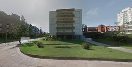 Foto Edificio en Playa Mansa  número 2