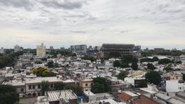 Foto Edificio en Tres Cruces             Avda. Garibaldi  y Montecaseros           número 9