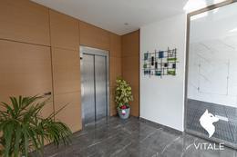 Foto Edificio en Plaza Mitre HIPOLITO YRIGOYEN 2500 número 21