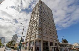 Foto Edificio en Península Uruguay Link número 3