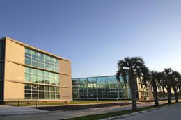 Foto Edificio en Ayres Vila             Los Crisantemos 265          número 2