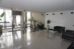 Foto Edificio en Caballito Norte ROJAS 700  número 1