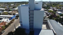 Foto Edificio en Centro Calle 14 e/ 15 y 13 numero 6