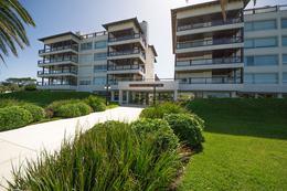 Foto Edificio en Playa Brava Parada 12 Playa Brava número 9