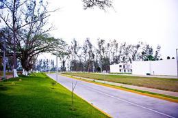 Foto Barrio Abierto en Fraccionamiento Residencial del Bosque Fraccionamiento Residencial Medio en el Poniente de la Ciudad  número 3