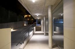 Foto Edificio en Parque Batlle Sobre calle tranquila , a metros del  parque  número 6