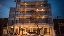 Foto Edificio en La Perla Norte FRENCH 3800 número 4