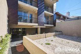 Foto Edificio en Moron Sarratea 70 número 6