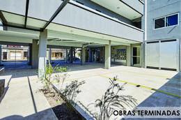 Foto Edificio en Moron Sur Pellegrini 1000 número 1