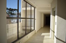 Foto Edificio en Adrogue Rosales 1750 número 10
