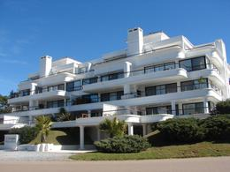 Foto Edificio en Rincón del Indio Parada 26 de la brava número 1
