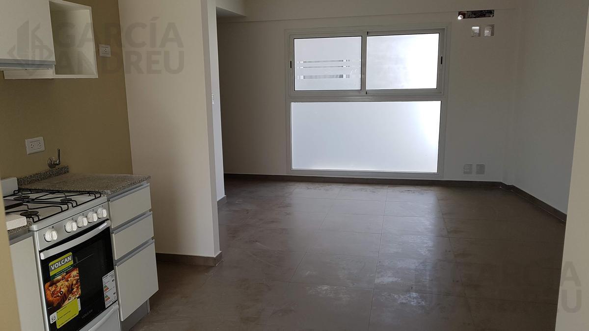 Foto Edificio en Pichincha Rivadavia 2300 número 6