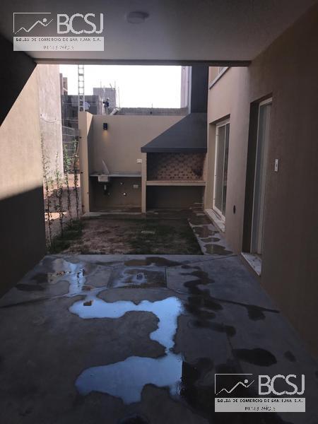 Foto Barrio Privado en Rivadavia Av. Ignacio de la Roza y R. Calivar número 53