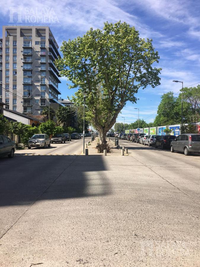 Foto Departamento en Alquiler temporario en  Olivos,  Vicente Lopez  Boulevard Camacua entre Av. del Libertador y Juan Diaz de Solis